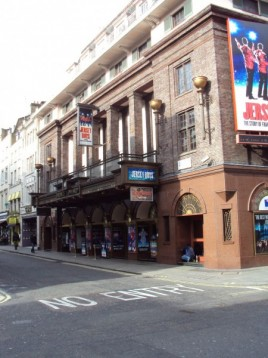 London Hotel and Theatre package